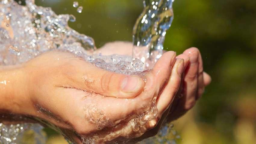 विश्वका एक चौथाई जनसंख्यालाई अझै पनि सफा पानीको अभाव